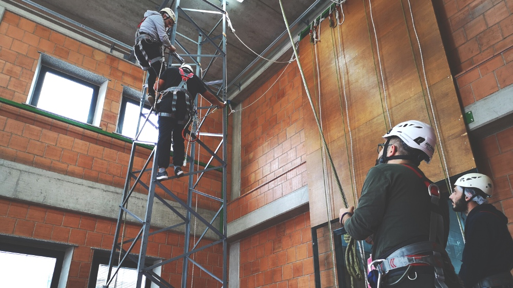 Esercitazioni Funi palestra 2 - Amorini Safety